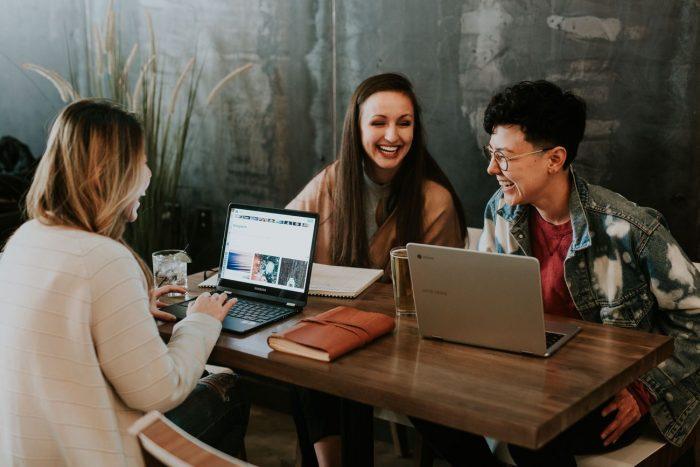 Examensarbete för företaget – Kostnadsfri hjälp eller slöseri med tid?