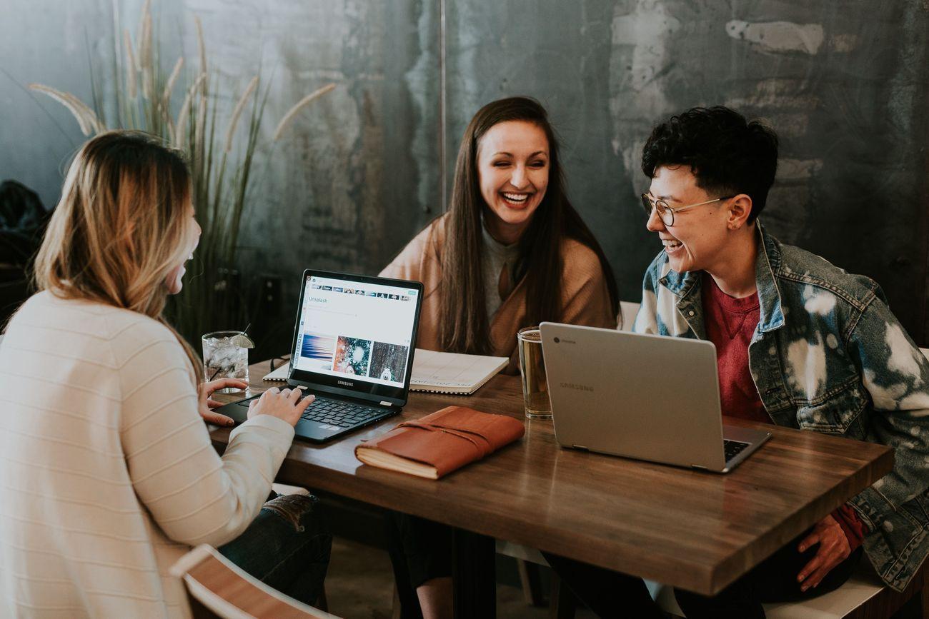 Opinnäytetyö yritykselle – Ilmaista apua vai ajan haaskausta?