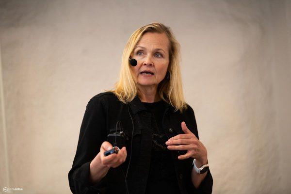 Lehtori Eija Lipasti Laureasta